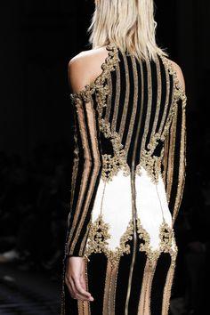Balmain Fall 2016 Ready-to-Wear Fashion Show Details