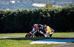 Non conta quanto la tua moto corra su strada, ma quanto faccia correre la tua anima quando sei sulla sua sella.