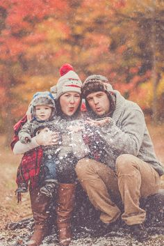 Family Christmas photo   winter photography Fun family photo snow www.denisebelangerphoto.com