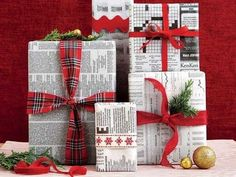 Newspaper gift wrapping ideas that are classy and chic and not like yesterday's left overs. So be eco-friendly, be thoughtful and be unique this Christmas. Wrapping Ideas, Present Wrapping, Christmas Gift Wrapping, Christmas Crafts, Christmas Decorations, Green Wrapping Paper, Wrapping Papers, Green Paper, Furoshiki Wrapping
