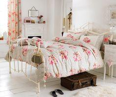Girly rustic bedroom decor