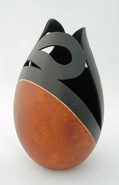 Gourd Art - Ideas for ways to turn gourds into art; tutorials not included, but these are great for ideas.