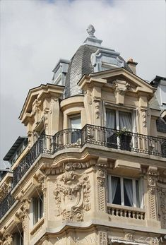Architecture Parisienne, Architecture Classique, Parisian Architecture, Neoclassical Architecture, Classic Architecture, Beautiful Architecture, Beautiful Buildings, Architecture Design, Beautiful Places