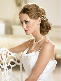 Extra Ordinary Hairstyle For Bridal Updo 2013 Retro Wedding Hair, Romantic Wedding Hair, Chic Wedding, Elegant Wedding, Wedding Bride, Retro Hairstyles, Bride Hairstyles, Hairstyle Ideas, Hair Ideas