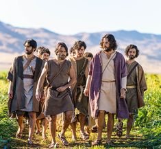 Jesus Movie, Biblical Costumes, Jesus Photo, Best Tv Series Ever, Christian Movies, Christian Quotes, Lord Is My Shepherd, Lion Of Judah, John The Baptist