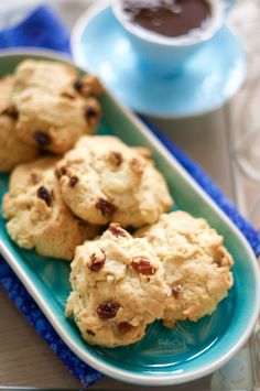 Biscuits Croustillants, Recipe Drawing, Homemade Beauty Products, Dessert Recipes, Desserts, Scones, Chocolate Cake, Food And Drink, Cooking Recipes
