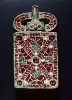 Visigothic bronze with garnets, glass, mother of pearl, gold foil, gilding belt buckle x 1 x 5 in.) - Cleveland Museum of Art Medieval Jewelry, Viking Jewelry, Ancient Jewelry, Medieval Art, Old Jewelry, Antique Jewelry, Wiccan Jewelry, Jewellery, Cleveland Museum Of Art