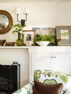 Diy home decor ideas budget home decor ideas on a budget savvy decor and design ideas . diy home decor ideas budget My Living Room, Living Room Decor, Living Spaces, Cozy Living, Shabby Chic Vintage, Shabby Chic Decor, Bedroom Walls, Simple Fireplace, Brick Fireplace