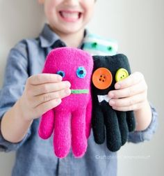 ❤ DIY Glove monster soft toys - easy sewing craft for kids ❤Mindy - craft idea & DIY tutorial collection
