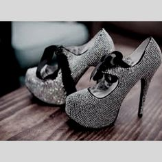 Pumps with Bling and Bow Ties fashion shoes glitter bow high heels silver pumps bling Zapatos Shoes, Shoes Heels, Tap Shoes, Cute Shoes, Me Too Shoes, Pretty Shoes, Beautiful Shoes, Awesome Shoes, Gorgeous Heels