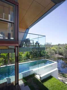If dramatic roof lines and killer swimming pools in a modern setting are your thing then Sparks Architects has a portfolio that will have you drooling. This Australian based firm does some of the most unique modern swimming pools I believe I have seen.