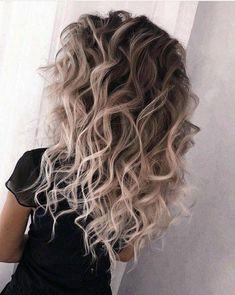 Ombre Hair Color, Hair Colors, Curly Hair Styles, Balayage Hair Blonde, Balayage Ombre, Hair Videos, Hair Highlights, Hair Trends, Hair Goals