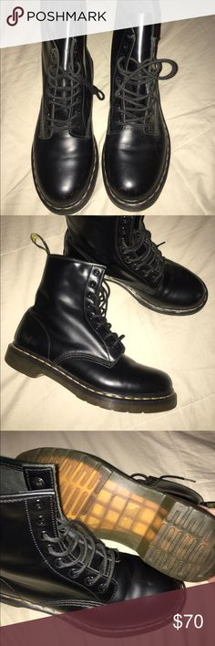 bf5e76e253f Dr. Marten 1460 Classics Selling my classic 1460 doc martens. I actually  purchased these