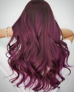 Having great hair has never been this easy! A combination of wine red meets plum pink hair colours styles in loose waves!
