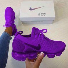 Hype Shoes, Women's Shoes, Shoe Boots, Shoes Style, Dance Shoes, Cute Sneakers, Shoes Sneakers, Women's Nike Sneakers, Yeezy Shoes