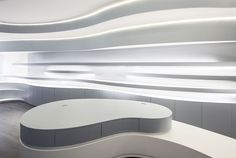 Image 7 of 11 from gallery of Novaoptica Optic Store / Tsou Arquitectos. Photograph by Nelson Garrido Futuristic Interior, Futuristic Design, Merchandising Displays, Store Displays, Retail Displays, Window Display Retail, Window Displays, 3d Cinema, Retail Store Design