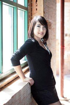 Sarina-Makeup Artist Eyelash Extension Expert