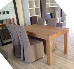 #Tavolo bio in #rovere massello tinto olio di lino #Sedie rivestite in tessuto