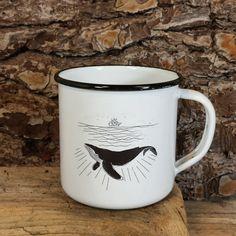 Reposición de la #ballena y otros modelos para #gorkagondra. Normal, con esos trabajos tan finos! Si os interesa, podéis poneros en contacto con él #RETROPOT www.retropot.es #vintage #taza #mug #enamelmug #camping #camplife #retro #retropot #pot #peltre #coffee #tea #vintagemug #cup #deco #outdoor