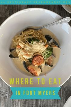 Looking for where to eat in Southwest Florida? Check out this guide for the best Fort Myers restaurants. It includes downtown, beachside & more! #fortmyers #floridatravel #floridafood Visit Florida, Florida Vacation, Florida Travel, Fort Myers Restaurants, Unique Restaurants, Florida Food, Florida Adventures, Delicious Restaurant, Fort Myers Beach
