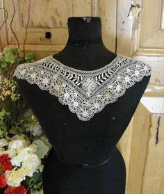 Beautiful Antique Maltese Lace Collar No Damage | eBay