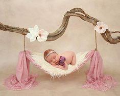 Newborn Baby Photos, Baby Poses, Baby Boy Photos, Newborn Shoot, Newborn Pictures, Newborn Outfits, Baby Girl Newborn, Baby Pictures, Newborn Photography Poses