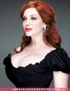 Hot-Sexy Christina Hendricks Nude and Bikini Photos: She was born Christina Rene Hendricks on May to father, Robert Hendricks, worked for the United States Forest Service, has bloodlines from Birmingham, England. Beautiful Christina, Beautiful Redhead, Christina Hendricks Bikini, Cristina Hendrix, Up Girl, Redheads, Red Hair, Sexy Women, Actresses