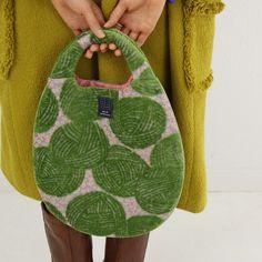 kuukukka - woollyball egg bag                                                                                                                                                                                 もっと見る
