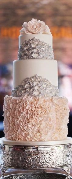 Gorgeous wedding cake. #cakes #bridal