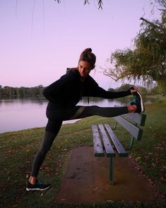 Women's health and motivation. Running training Fitspo Inspiration. Women's health and motivation. Running training Fitspo Inspiration. - Fitness and Exercises, Outdoor Sport and Winter Sport Photos Fitness, Fitness Motivation Pictures, Sport Motivation, Health Motivation, Exercise Motivation, Fit Women Motivation, Fitness Pictures Women, Cardio Yoga, Running Workouts
