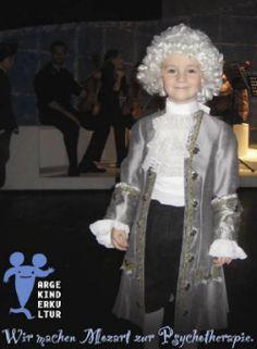 Wir machen Mozart zur Psychotherapie – was viele Menschen schon lange praktizieren, funktioniert beim Skating Amadeus Chor auch für Kinder!  Mehr dazzu:  http://www.info-graz.at/jugend-heute-zeit-kind-blog-familie-menschen-sozial-geburt-blogspot-entwicklung-gesellschaft-blogs/news/9882_skating-amadeus-chor-graz-theater-grazer-kinder-kids-gruppen-buehne-kind-spass/