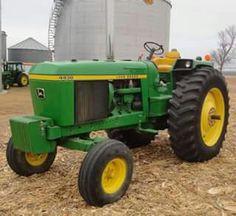 Old John Deere Tractors, Jd Tractors, John Deere Decor, Tractor Cabs, Future Farms, Motor, Farming, Iron, Horses
