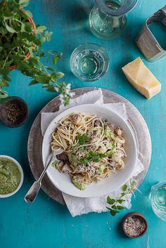Chicken & mushroom pasta w/ basil pesto | #chicken #mushroom #pesto #pasta #basil #dinner #food #recipe #foodporn