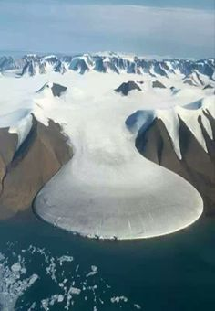 Elephant Foot Glacier: An astonishing geographical location on the east coast ofGreenland (81° N).