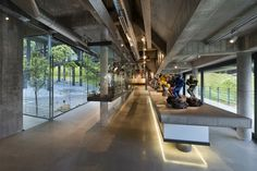 Gallery of Cantilever House / Design Unit Sdn Bhd - 3