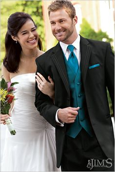 This is what Baileys going for! His date is wearing a teal dress