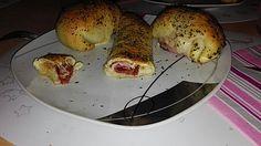 Gefüllte Pizzabrötchen