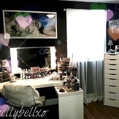CLICK TO DOWNLOAD the Elegant Beauty Room Look Book for amazing #makeupvanity room décor and makeup organization inspired by Top #Beauty #Bloggers and those who love ALL THINGS BEAUTY. It is also a great resource for those who are either certified or an aspiring #mua for creative inspiration for both the #makeup room & living space.  The Beauty Room Of @hellybellxo