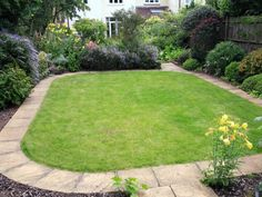 Edging Around Grass Shows Off Well Maintained Lawn