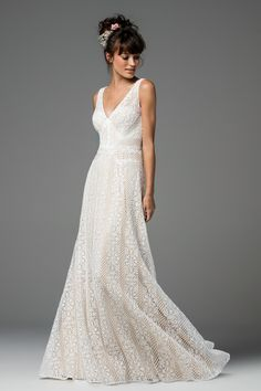 Brighton by WIllowby unbeaded (Style 58110P) COLORS AVAILABLE:_ Lace: Ivory Only Lining: Blush, Cashmere, Ivory, Off-White, Oyster, Nude