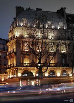 St Michel Paris | Boulevard St-Michel, Paris