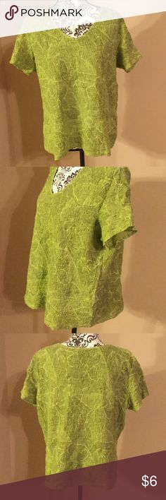 Jaclyn Smith brand blouse size XXL green Jaclyn Smith blouse celery green color size XXL measures 25 inches from armpit to armpit 23 inches long made of cotton,nylon, and spandex. Jaclyn Smith Tops Blouses