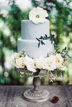 Light blue wedding cake | charming old world wedding | itakeyou.co.uk #oldworld #wedding