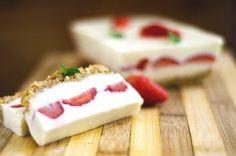 Terrine fraise chocolat blanc : Recette de Terrine fraise chocolat blanc - Marmiton