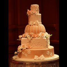 Sweet Memories Bakery will create your stunning and one-of-a-kind couture cake for weddings.