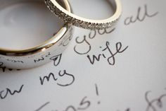 The Groom's handwritten promises with the rings before the ceremony