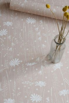 Daisy Meadow wallpaper in dusk pink - a quiet and gentle wallpaper design inspired by Norwegian flower meadows. It features daisies, harebells, vetch, shepherds purse, stitchworts and all kinds of grasses. Dusky Pink Wallpaper, Daisy Wallpaper, Botanical Wallpaper, Nature Wallpaper, Latest Wallpaper Designs, Latest Wallpapers, Paper Light, Designer Wallpaper, Art