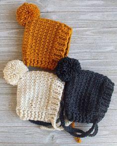 knitting baby accessories & stricken von babyzubehör & accessoires bébé à tricoter Baby Boy Knitting, Baby Hat Knitting Pattern, Baby Sewing, Knit Baby Hats, Baby Girl Hats, Girl With Hat, Kids Winter Hats, Crochet Baby Bonnet, How To Purl Knit