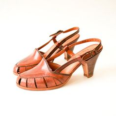 1970s shoes / 70s shoes wood heel / brown leather by RockAndRollVintage, $68.00