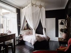 Романтичная квартира в темных тонах (35 кв. м) | Пуфик - блог о дизайне интерьера